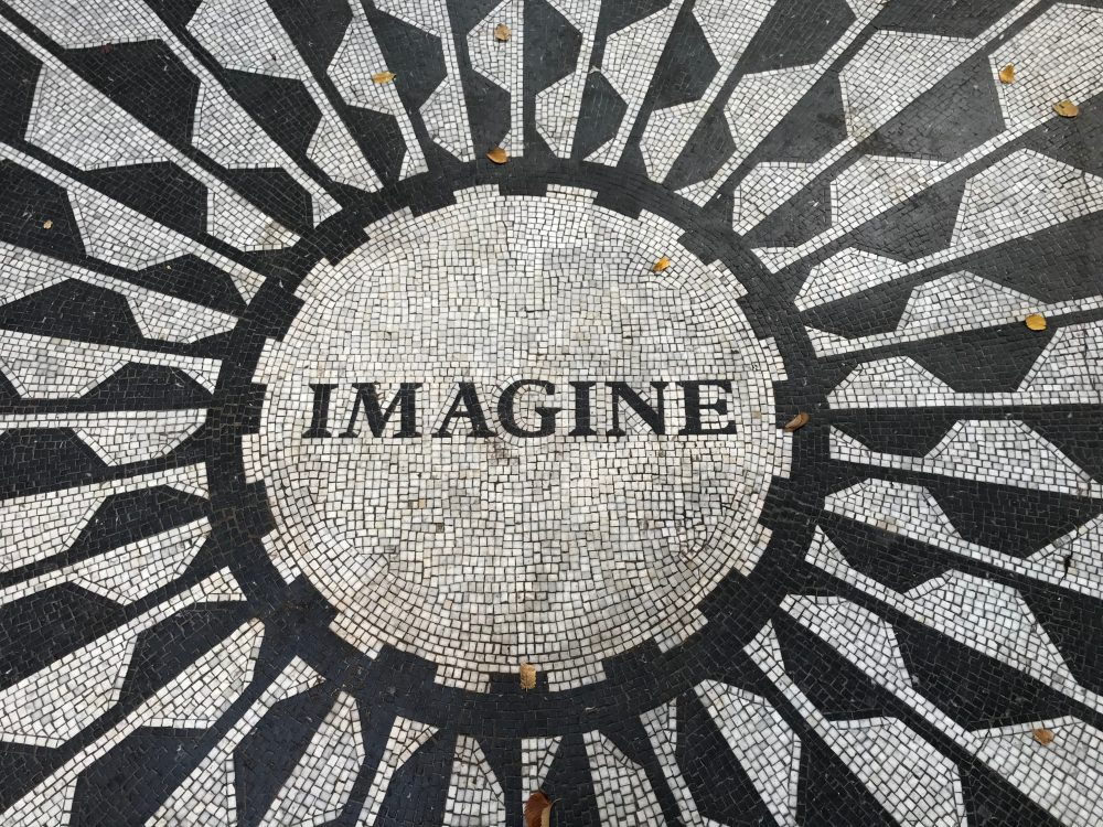 A post about the Imagine Curve account